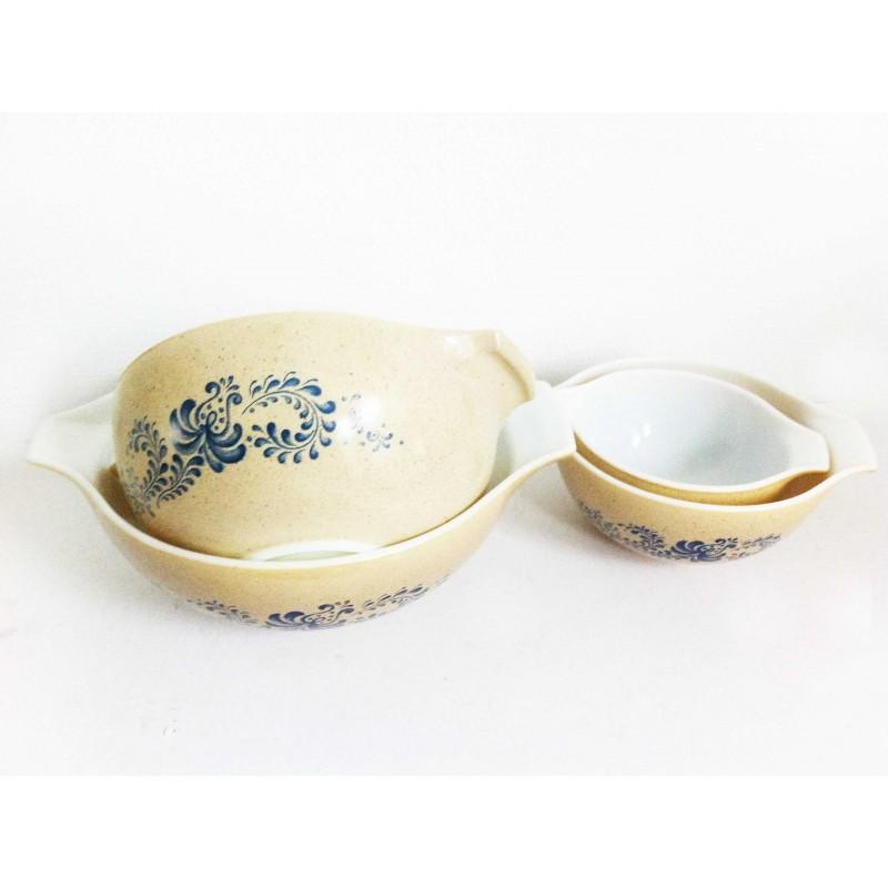 Pyrex Egg-shell Bowls Set